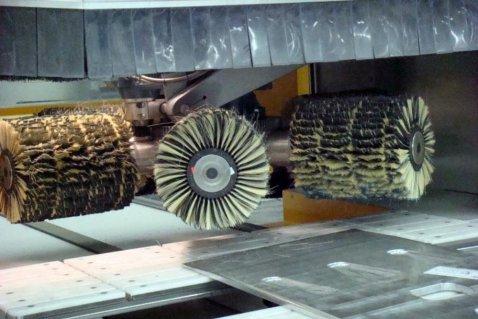 Bürstenmaschine Satiniermaschinen - Cosma Oberflächentechnik